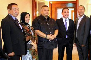 The five governors of the Autonomous Region in Muslim Mindanao – Sakur Tan, of Sulu province; Jum Akbar, of Basilan; Esmael Mangudadatu, of Maguindanao; Sadikul Sahali, of Tawi-Tawi; and Mamintal Adiong, Jr. of Lanao del Sur.